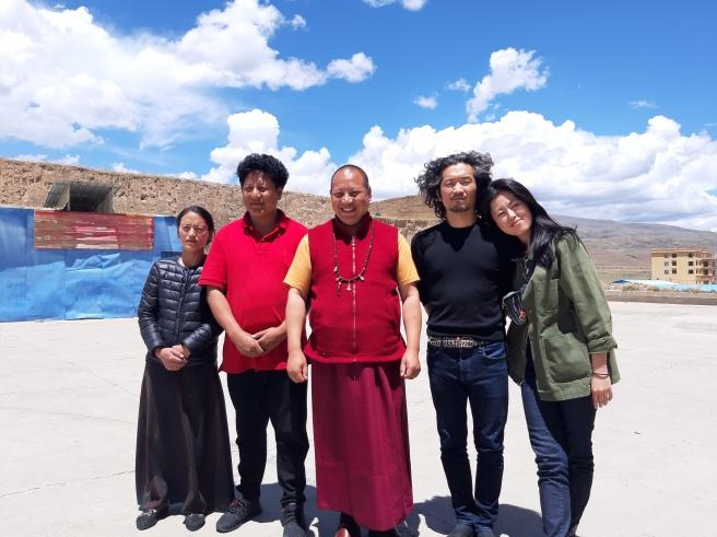 お世話になったペマ家族と一緒の写真